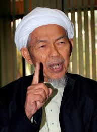 http://kedahlanie.blogspot.com/2009/09/istilah-akidah-umno-oleh-nik-aziz.html